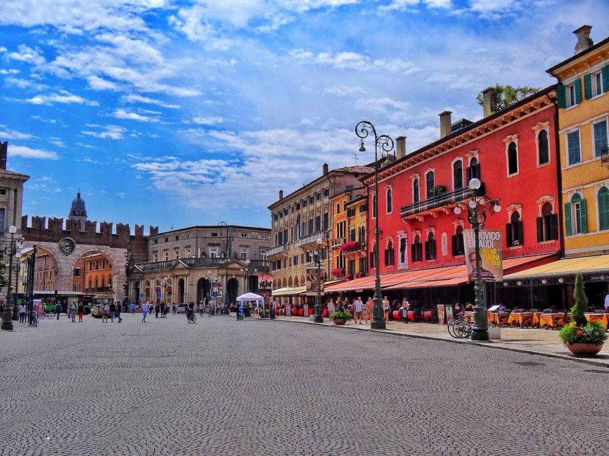 Η Piazza Bra στη ρομαντική Βερόνα
