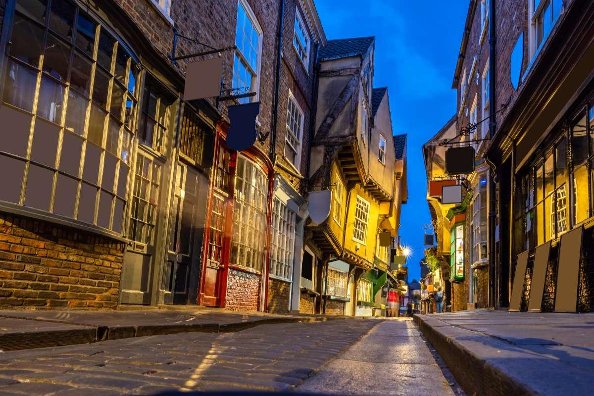 York Βρετανία, δρόμος