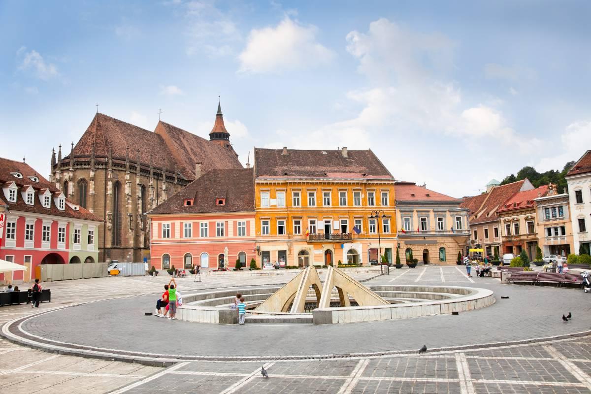 Μπρασόβ, Ρουμανία, Council Square