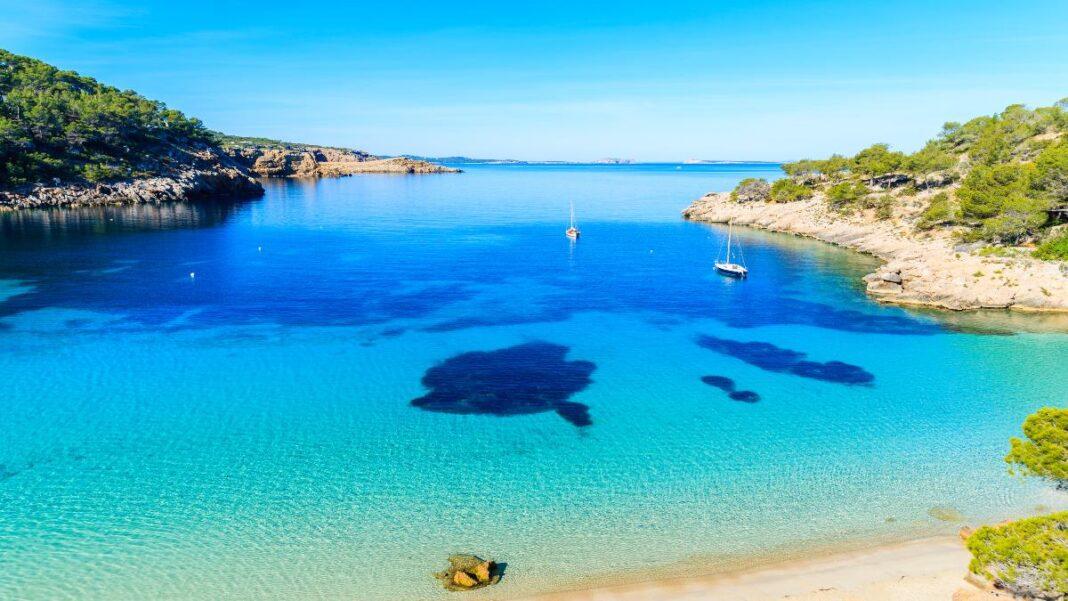 Οι 1 κρυμμένες παραλίες της Ευρώπης