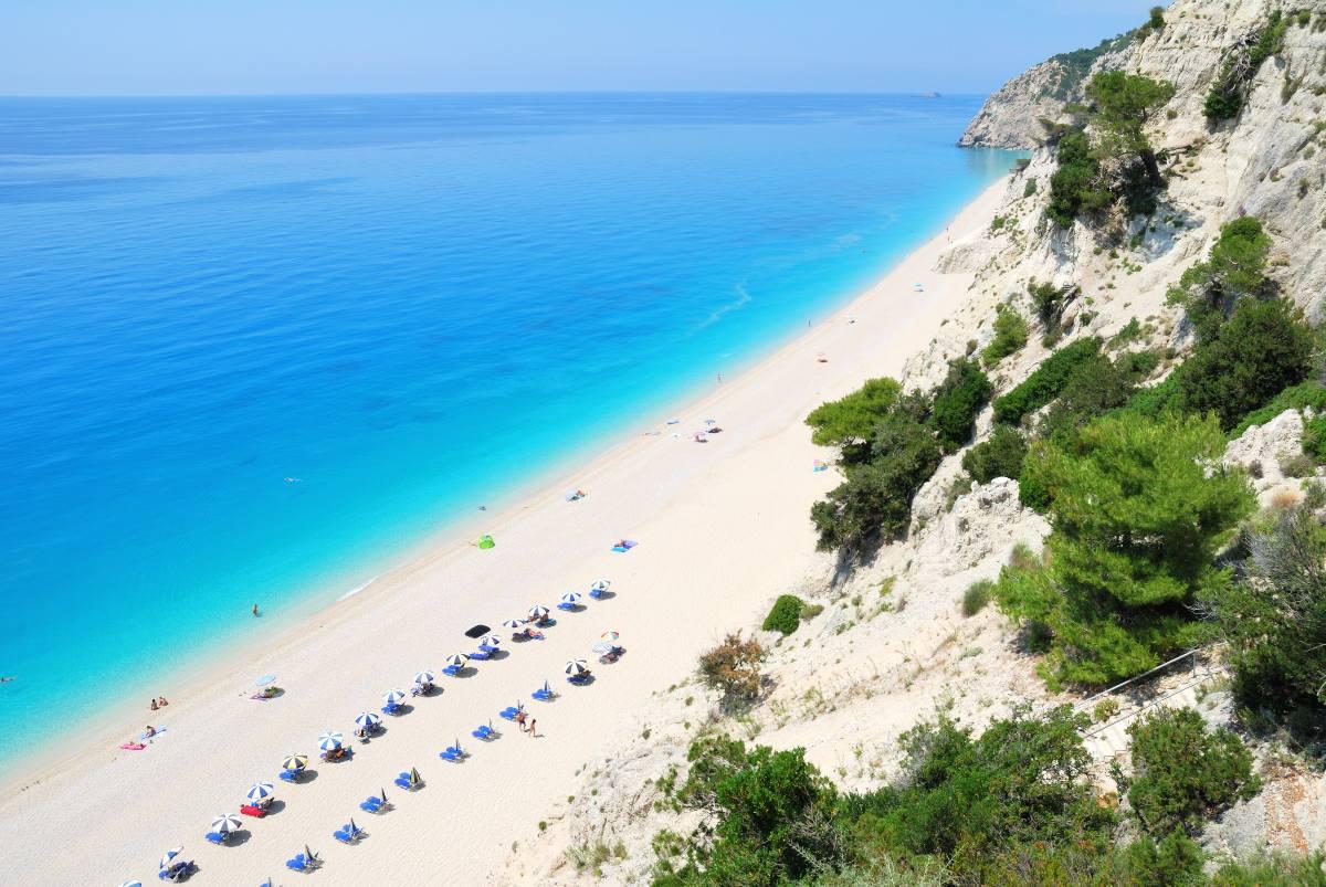 Travel+Leisure: Αυτές είναι οι 10 «μυστικές» παραλίες στην Ευρώπη - Ανάμεσά τους 2 ελληνικές!
