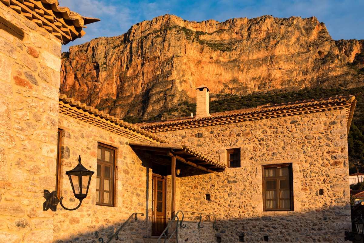 Λεωνίδιο Η θαυμάσια αρχιτεκτονική του τόπου