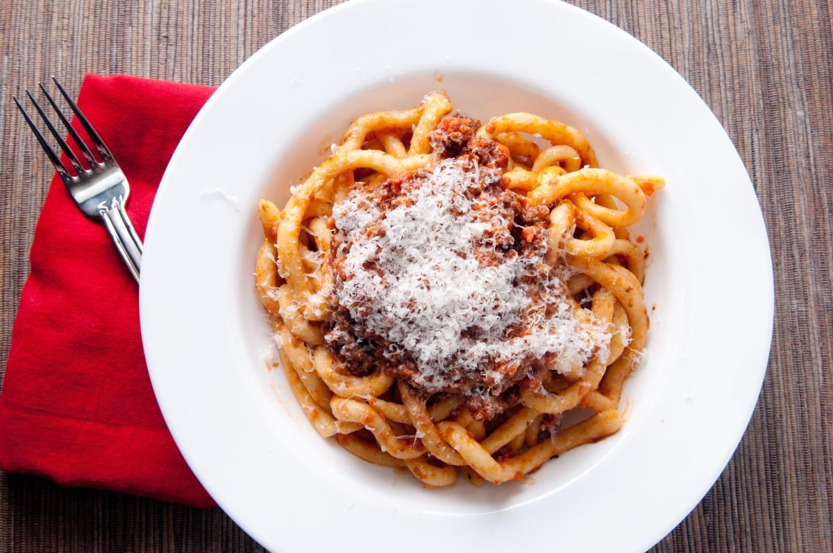 Pasta Pici - χαρακτηριστικό πιάτο της κουζίνας της Τοσκάνης