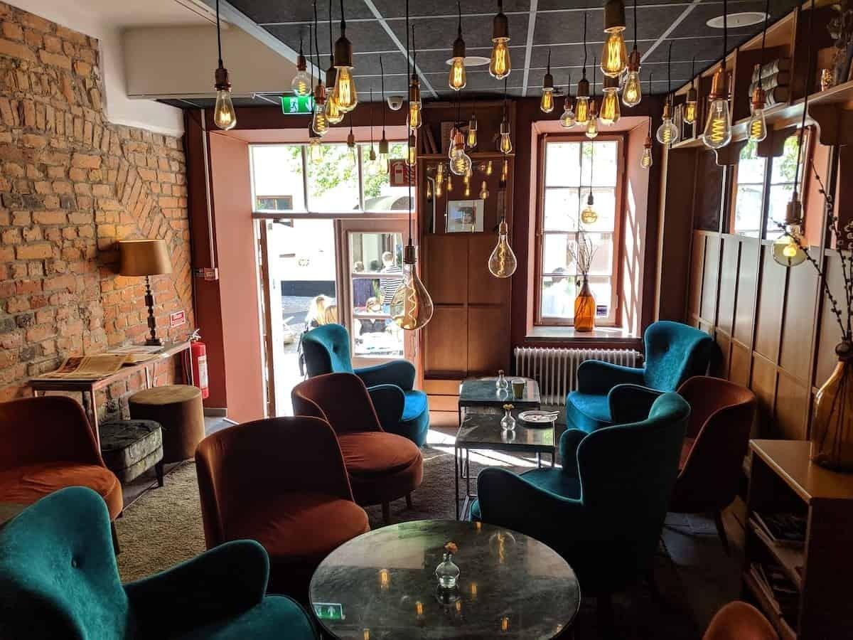NOFO hotel lounge