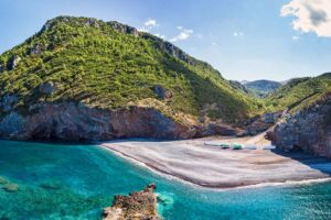 Αυτές είναι οι 12 ομορφότερες παραλίες της Εύβοιας!