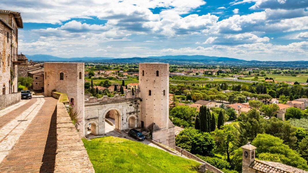 Οι 10 ομορφότερες πόλεις της Ιταλίας χτισμένες σε λόφους - Spello