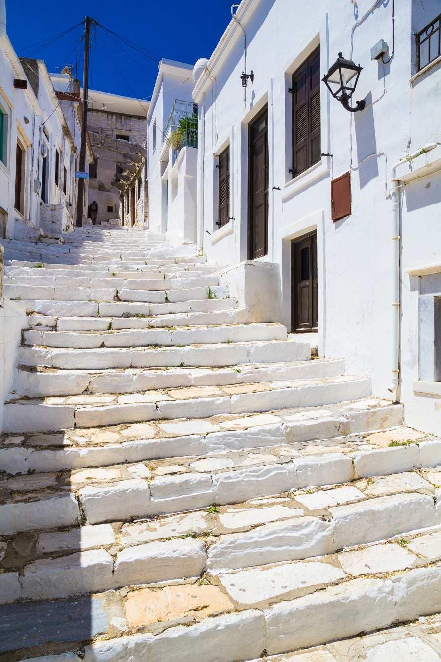 Απείρανθος Νάξου, σκαλιά