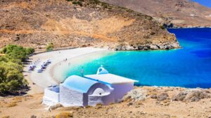 Spiegel: Προτείνει 7 ελληνικά νησιά για διακοπές με αφορμή την άρση από σήμερα της 7ήμερης καραντίνας στη χώρα μας για ταξιδιώτες από 30 χώρες