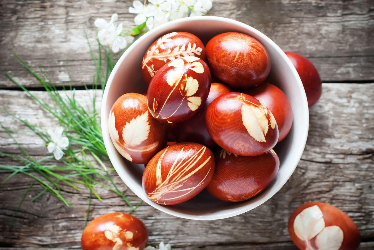 Πασχαλινά αυγά-Διακόσμηση με φύλλα