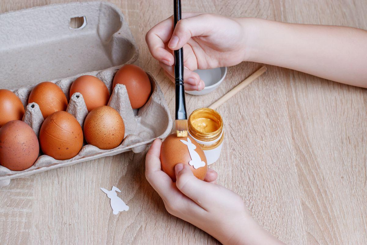 Πασχαλινά αυγά-Διακόσμηση με στένσιλ