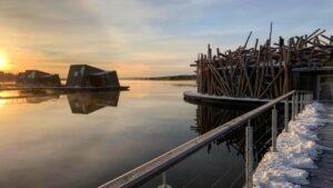 Arctic Bath: To πολυτελές ξενοδοχείο που… επιπλέει!