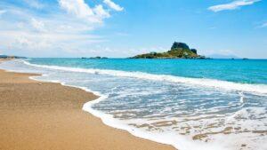 Ποια 5 ελληνικά νησιά είναι στην «πράσινη» λίστα της Βρετανίας;