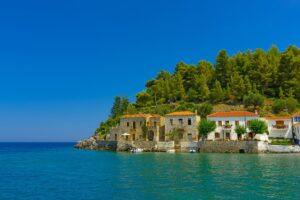 1+1 ξενοδοχεία στο όμορφο Κυπαρίσσι Λακωνίας με βαθμολογία μεγαλύτερη από 9,6 και τιμή €35 & €40! Από τον Τάσο Δούση