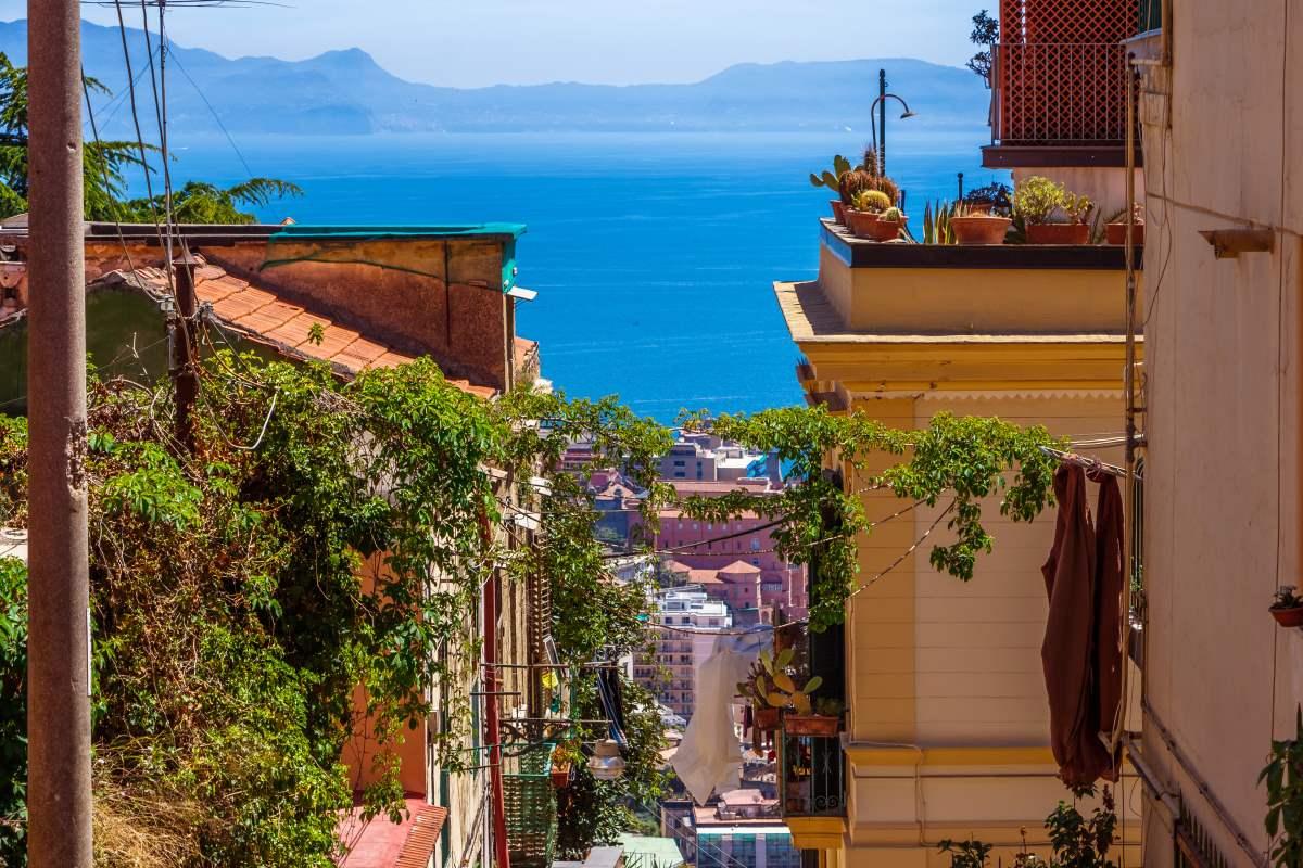 Νάπολη, θέα στη θάλασσα