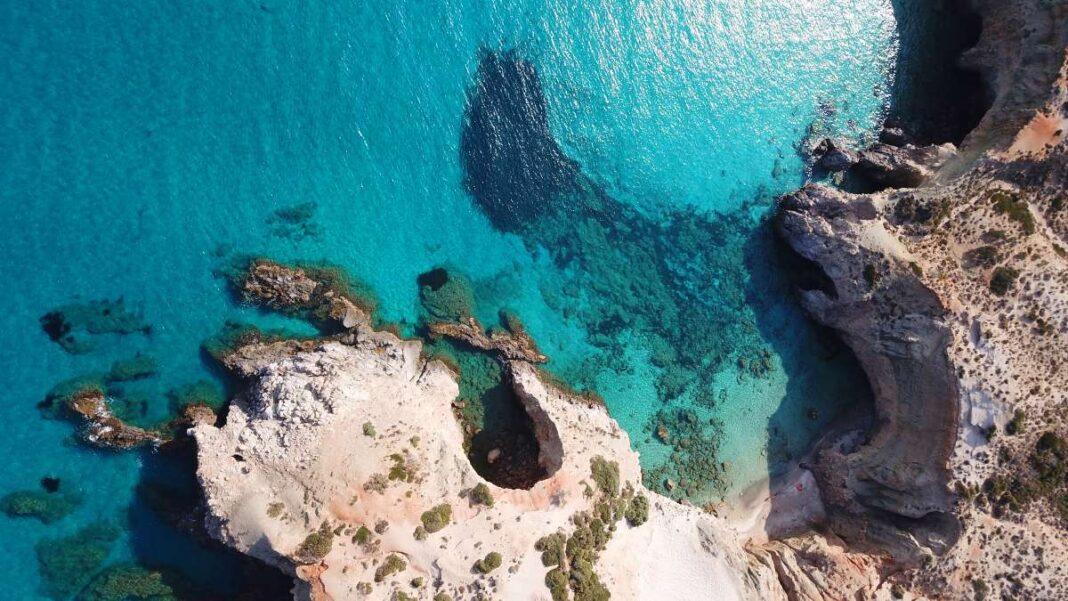 5 ελληνικές παραλίες με κρυσταλλινα νερά - Τσιγκράδο Μήλος