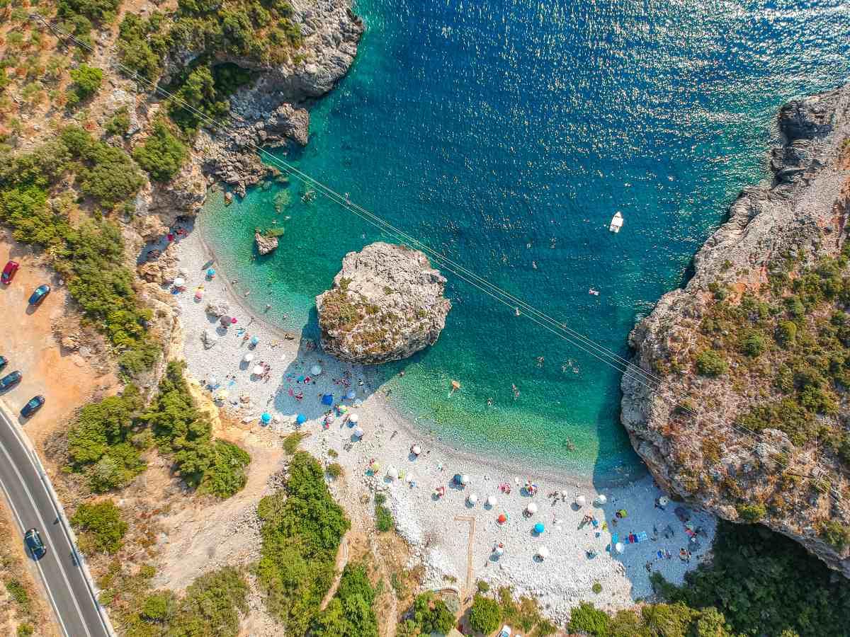 Μεσσηνιακή Μάνη - Η παραλία Φονέας από ψηλά