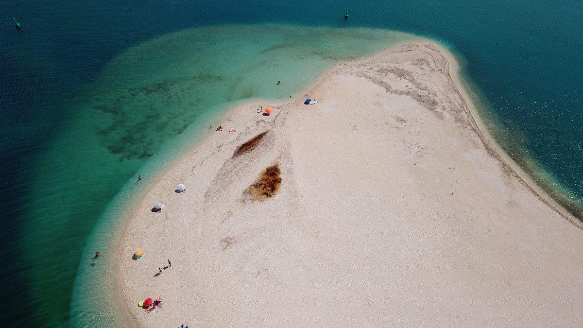 Η εντυπωσιακή παραλία Αμμόγλωσσα Λευκάδα