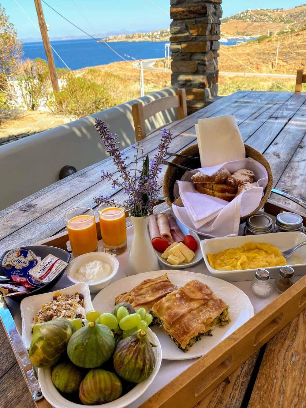 Iris Villa Κέα πρωινό