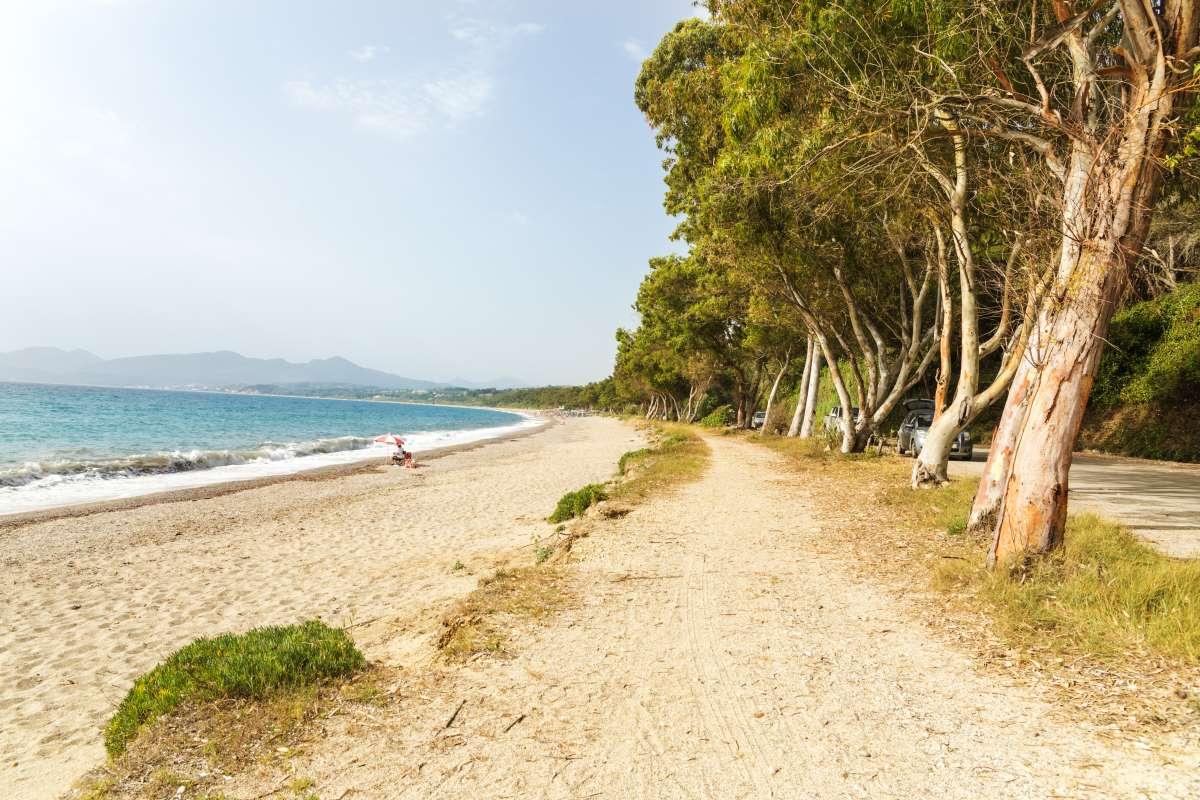 Παραλία Μονολίθι στην Πρέβεζα - αμμώδεις παραλίες