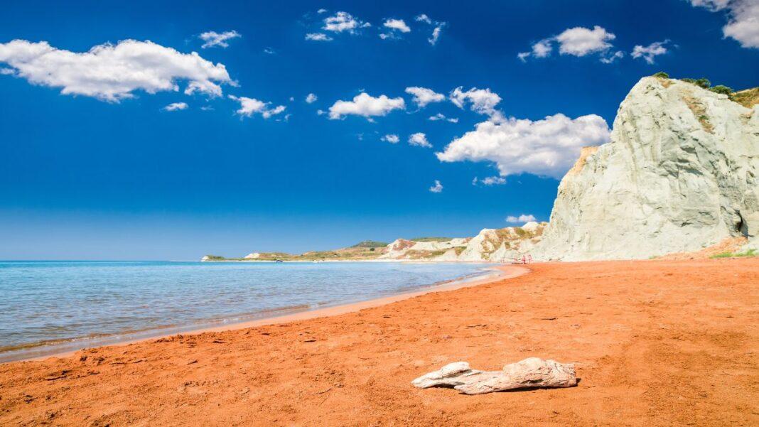 2 παραλίες; του Ιονίου που θα μπορούσαν να είναι στη Χαβάη - Παραλία Ξι