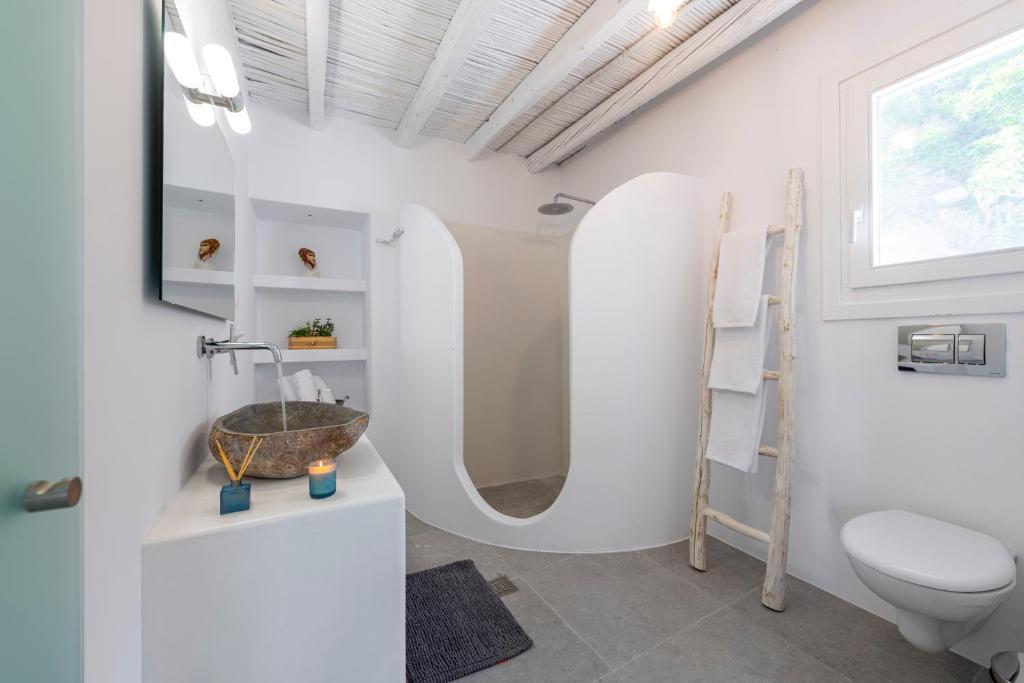 Μilinon Suites Μήλος μπάνιο