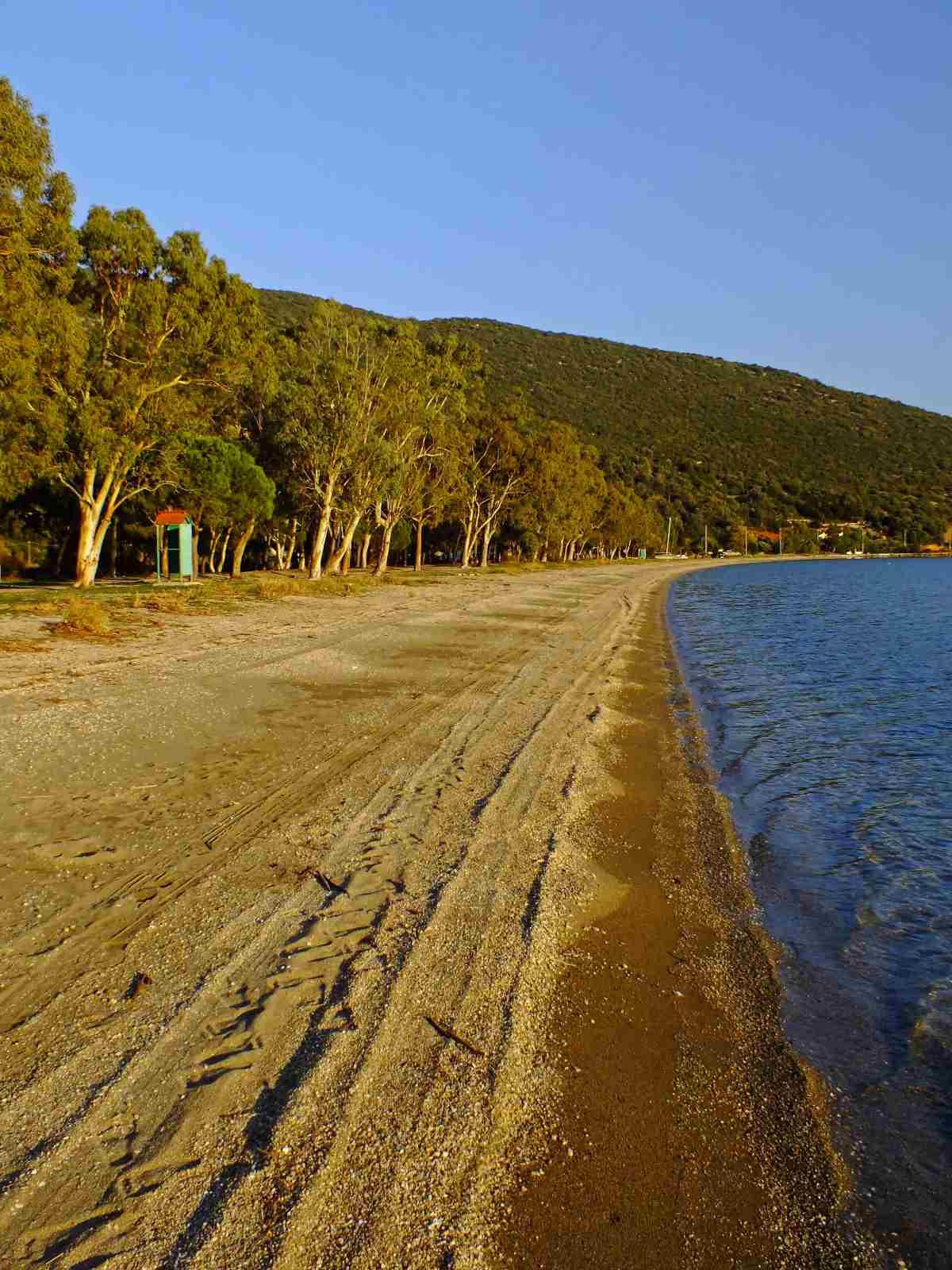 Παραλία Αλμυροπόταμος - Εύβοια