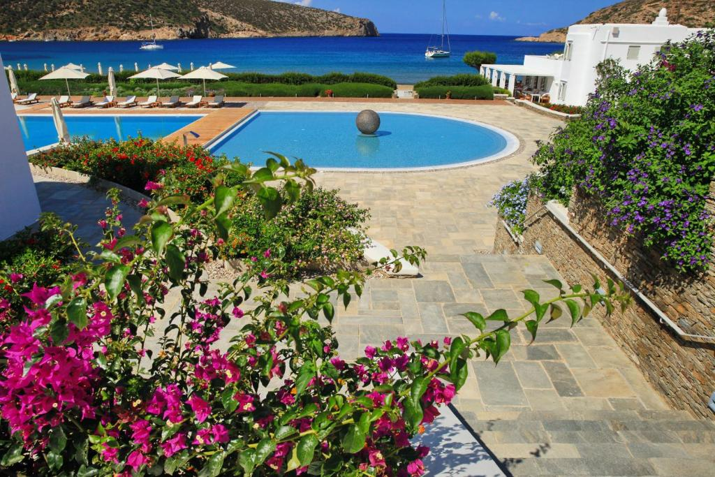 Elies Resorts Σίφνος πισίνα