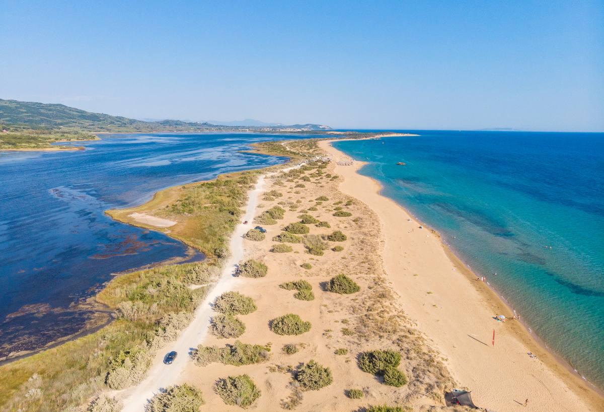 Παραλία Χαλικούνα Κέρκυρα
