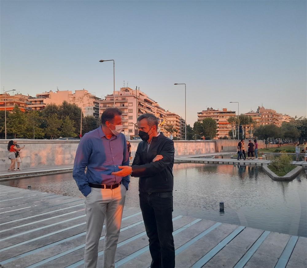 O Δήμαρχος Θεσσαλονίκης Κωνσταντίνος Ζέρβας και ο Αντιδήμαρχος Περιβάλλοντος Σωκράτης Δημητριάδης στον Κήπο του Νερού