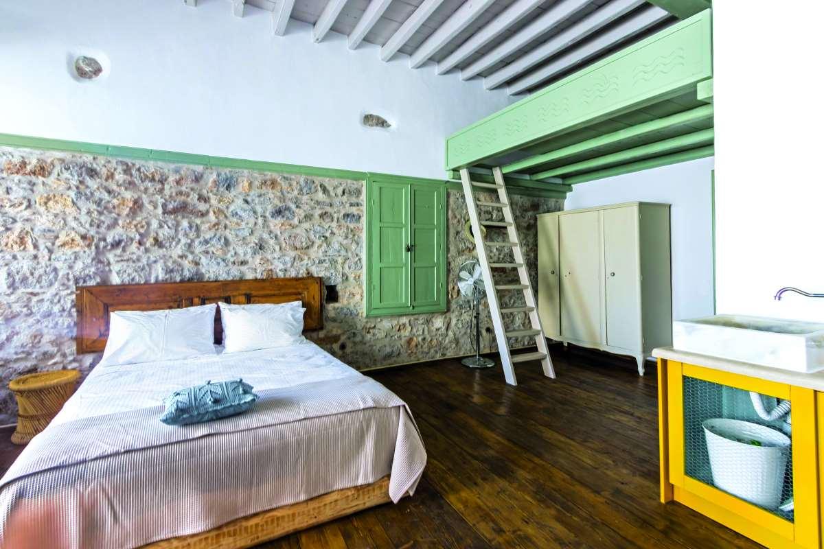 Latmos 1860 ξενώνας
