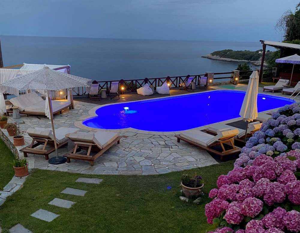 Agapitos Villas and Guesthouses - πισίνα
