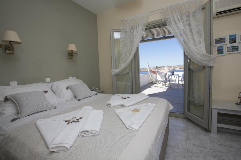 Alexandra's Rooms, Παροικιά Πάρου