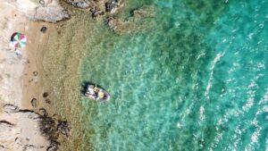 Εναλλακτικές διακοπές: Εξερευνούμε τις Μικρές Κυκλάδες και μένουμε στο «νησί του Ήλιου»!