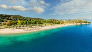 Νησιώτισσα: Η εξωτική παραλία στη Βόρεια Εύβοια που θα θέλεις να επιστρέφεις ξανά και ξανά!