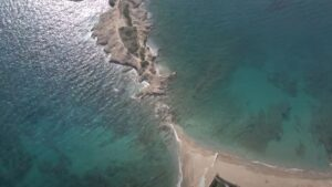 4 εκπληκτικές παραλίες από μισή μέχρι 1 ώρα μακριά από την Αθήνα!