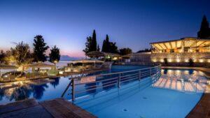 Λευκάδα: Το πολυτελές 5 αστέρων ξενοδοχείο, μπροστά σε παραλία, με βαθμολογία 9,4 και τιμή που δεν φαντάζεστε! Από τον Τάσο Δούση