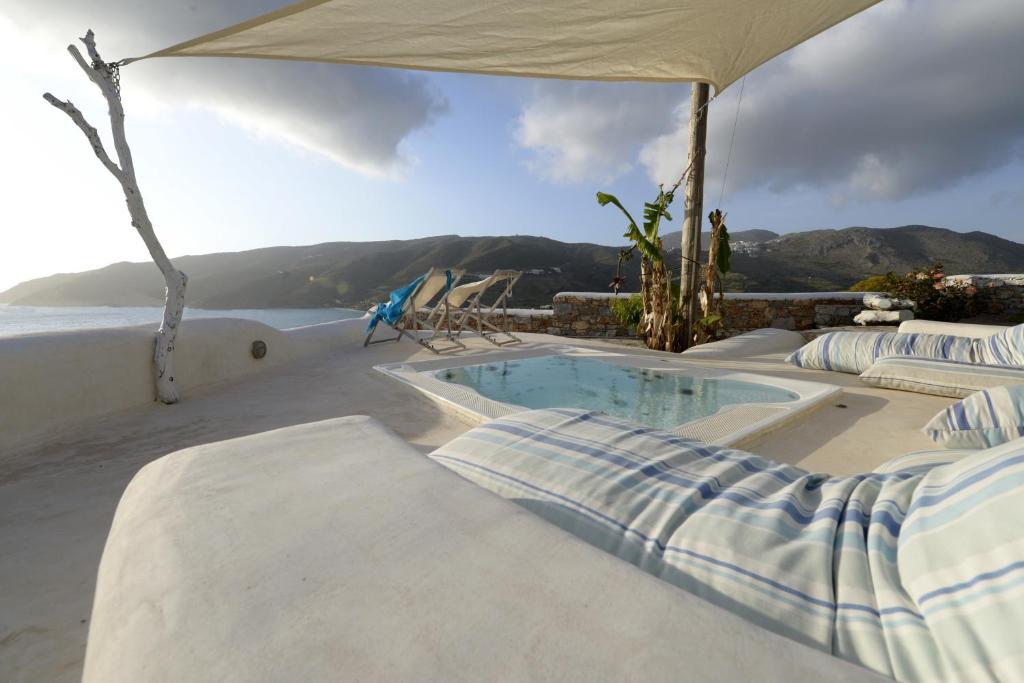 The Big Blue πισίνα