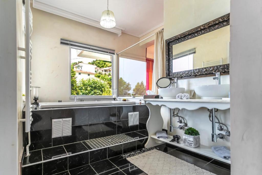 Panorama Suites & Spa / μπάνιο