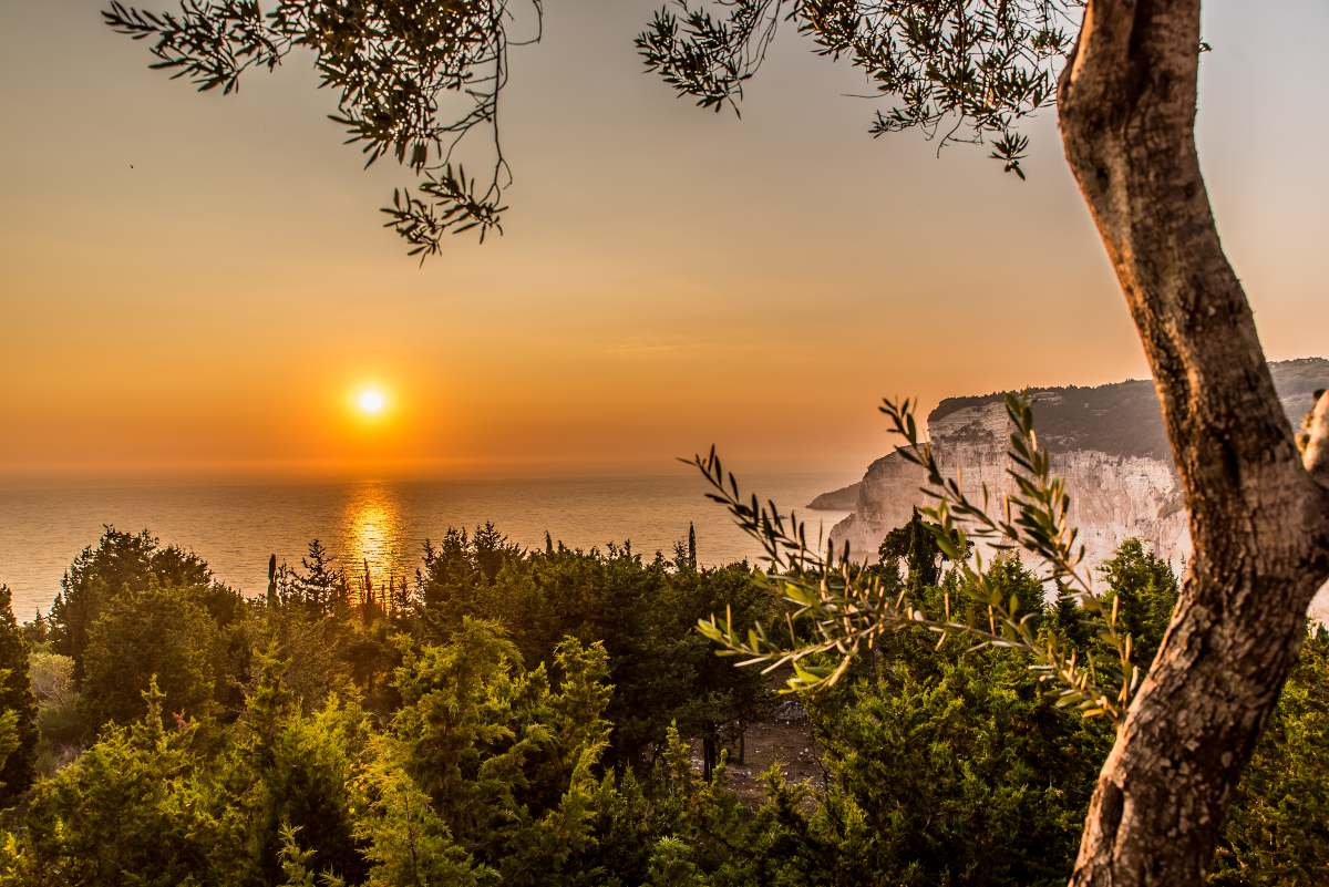 Το ηλιοβασίλεμα από τον Ερημίτη...Παξοί