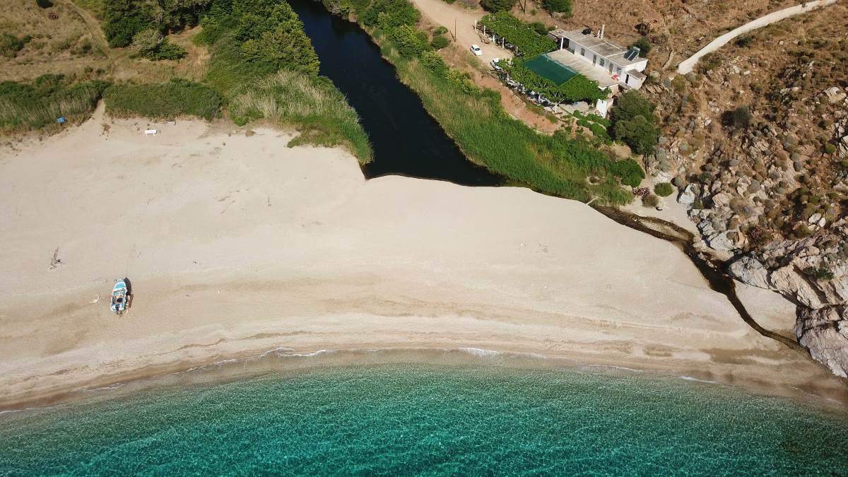Παραλία Ποτάμι Εύβοια