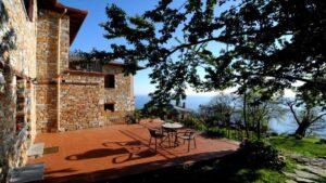 Ένα υπέροχο value for money ξενοδοχείο στην Τσαγκαράδα Πηλίου με βαθμολογία 9,9 και συγκλονιστική θέα! Από τον Τάσο Δούση