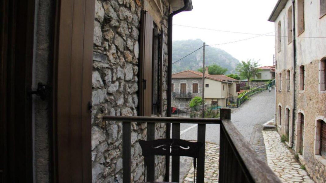 Ξενώνας Τσαρμπού, Στεμνίτσα